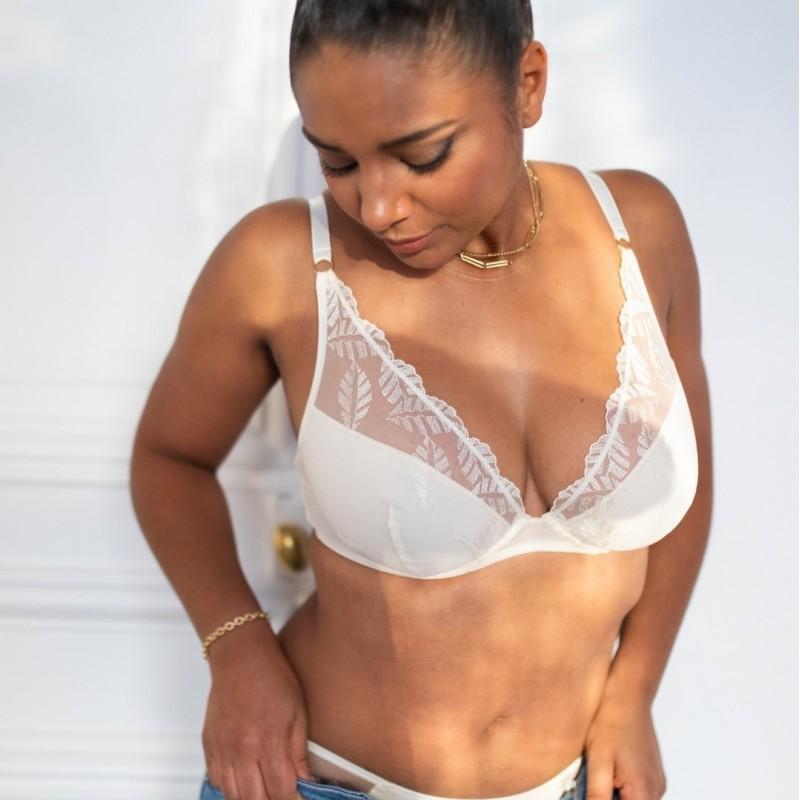 Le Foulard souffle de liberté par Meïla Paris, les lingeries élégantes et confortables - Vue lifestyle