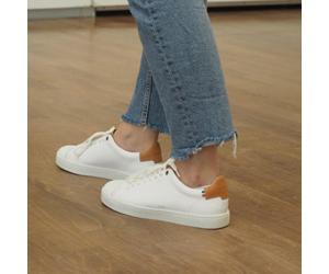 Abélia Blanche, les paires de Chaussures Made in France Sessile, Durables, vue de derrière modèle