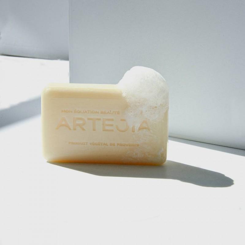 Le nettoyant visage à l'huile de mirabelle BIO par Artejia
